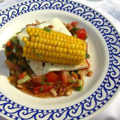 Maïs met salsa en meikaas