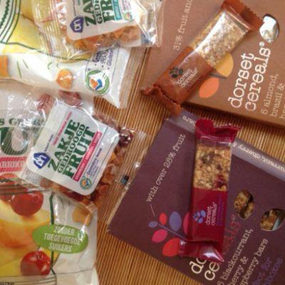 Tussendoortjestest: Dorset cereals vs AH gedroogd fruit
