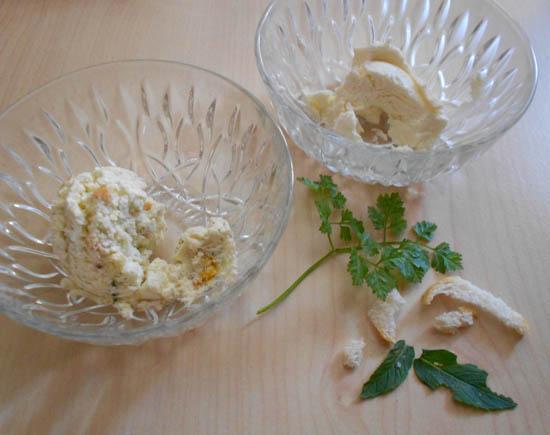 Rechtsboven Topfen naturel, links inclusief kruiden als vulling voor de Käsnudeln.