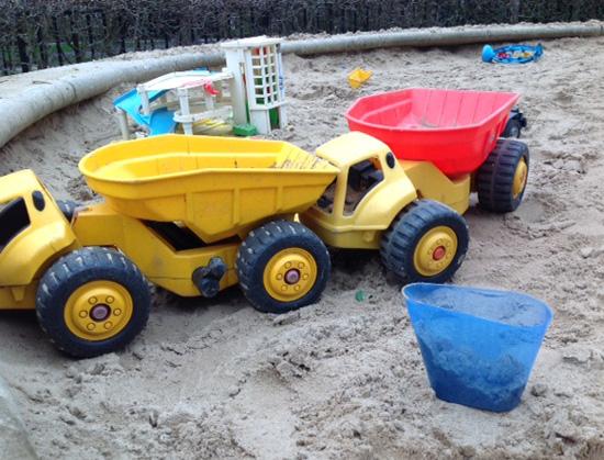 Als zandbakspeelattribuut (tevens geschikt t.z.t. op het strand)