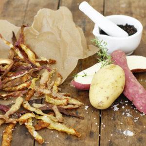 Chips van aardappelschillen