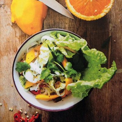 Salade van Chinese kool en mango