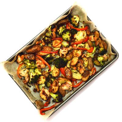 Bakplaat: kip met groente