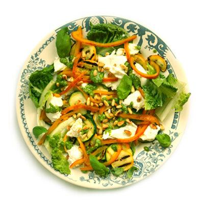 Geel-groene lentesalade