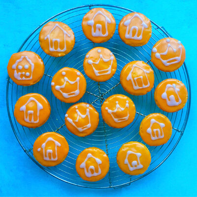 Oranje koningskoeken